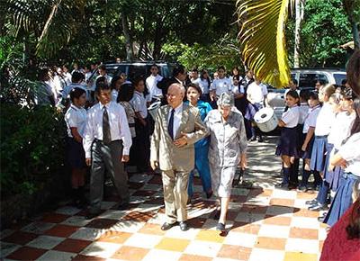 Homenaje a Aurelio Carvajalino en los 45 años del colegio.